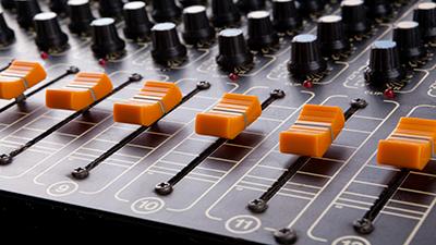 Experto Universitario de Diseño y producción de musicalización y sonido
