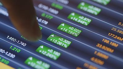 Administrador de inversiones y Gestión de Patrimonios Financieros, con aplicación de simulador de operaciones bursátiles en tiempo real.